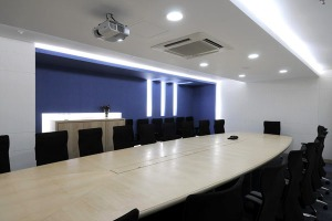 corporate-office-board-room-by-jtcpl-designs-interior-design-home600-x-400-37-kb-jpeg-x